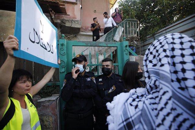 Protesta contra la expulsión de residentes palestinos en el barrio de Sheij Jarrá, en Jerusalén Este