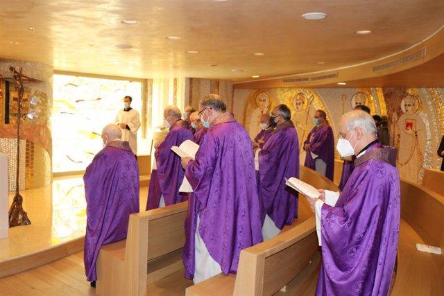 Archivo - Los obispos españoles celebran una eucaristía por las víctimas de la pandemia en Europa