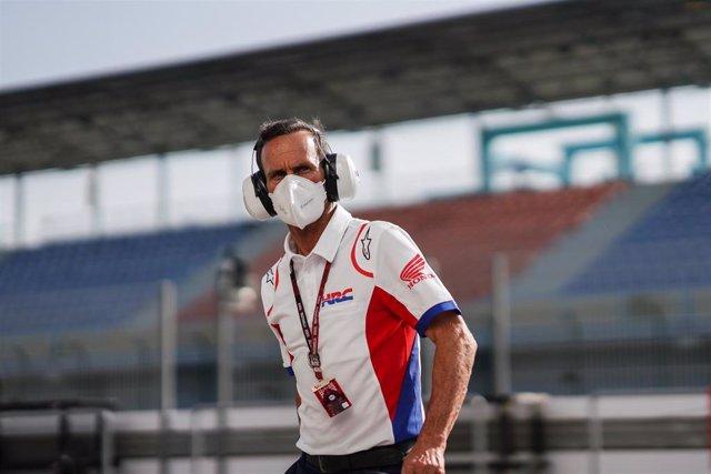 Archivo - El Team Manager del Repsol Honda Alberto Puig hace un balance positivo del estreno de Pol Espargaró con la Honda en Catar.