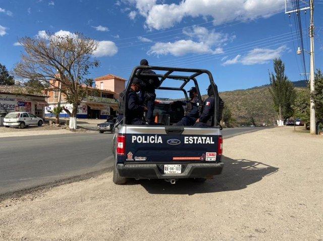 Archivo - Policía mexicana en la frontera.