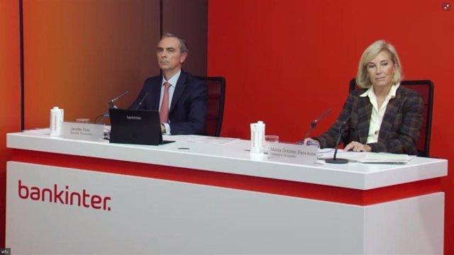 Archivo - CEO Bankinter, María Dolores Dancausa, y el director financiero del banco, Jacobo Díaz, en la presentación resultados del tercer trimestre de 2020.