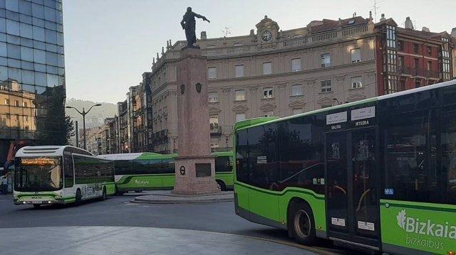 Bizkaibus autobusak Bilbon.