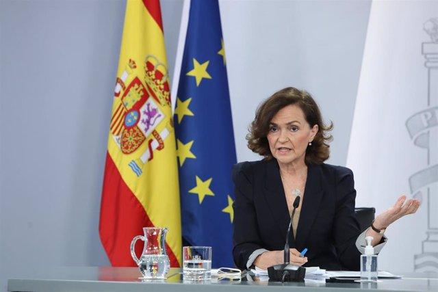 Archivo - La vicepresidenta primera y ministra de Presidencia, Relaciones con las Cortes y Memoria Democrática, Carmen Calvo comparece en rueda de prensa posterior al Consejo de Ministros celebrado en Moncloa, en Madrid (España), a 16 de febrero de 2021.
