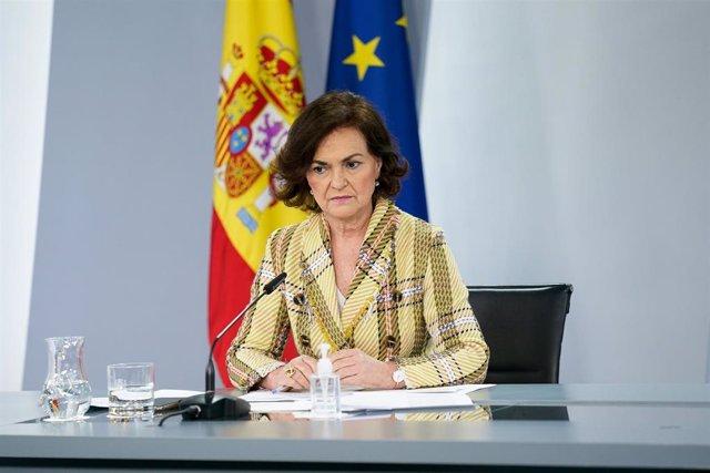 La vicepresidenta primera, Carmen Calvo, comparece en rueda de prensa posterior al Consejo de Ministros este martes.