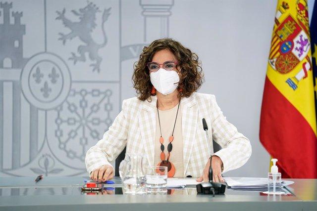 La ministra portavoz y de Hacienda, María Jesús Montero, comparece en rueda de prensa posterior al Consejo de Ministro s en Moncloa, a 4 de mayo de 2021, en Madrid (España).