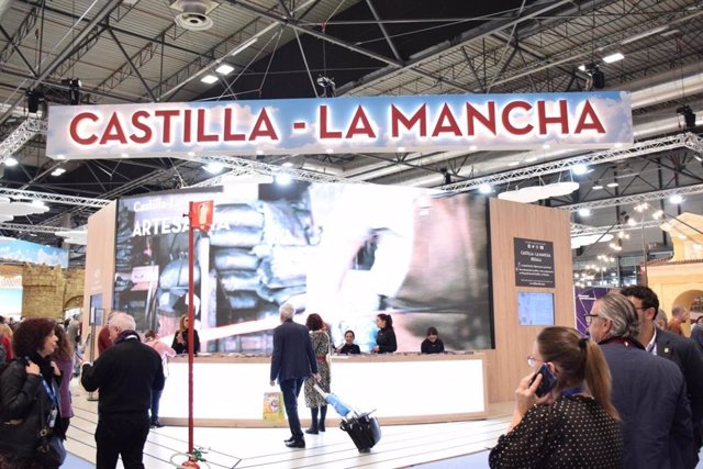 Archivo - El estand de Castilla-La Mancha en Fitur.