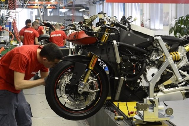 Taller de motocicletas.