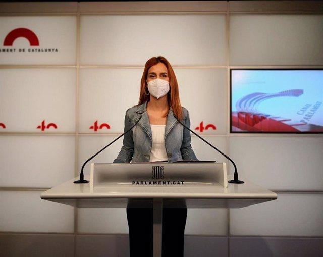 La líder dels comuns al Parlament, Jéssica Albiach, en la conferència de premsa al Parlament.