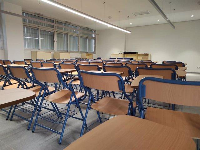 Archivo - Interior de un aula de un colegio público