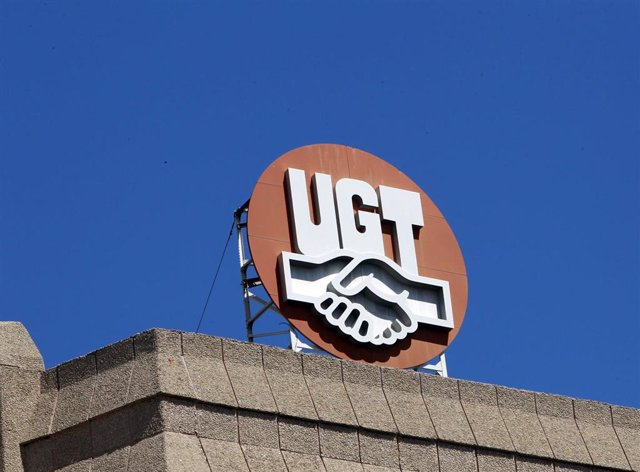 Archivo - Sede de UGT, logo de UGT, Unión General de Trabajadores