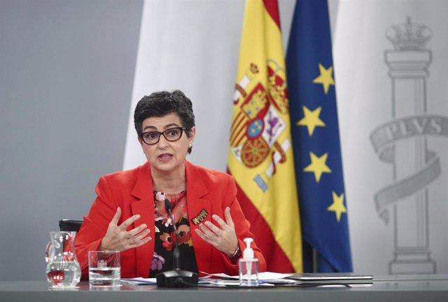 La ministra de Asuntos Exteriores, UE y Cooperación, Arancha González Laya, inteviene en una rueda de prensa posterior al Consejo de Ministros, a 27 de abril de 2021, en el Complejo de la Moncloa, Madrid, (España). Durante la convocatoria informarán, entr