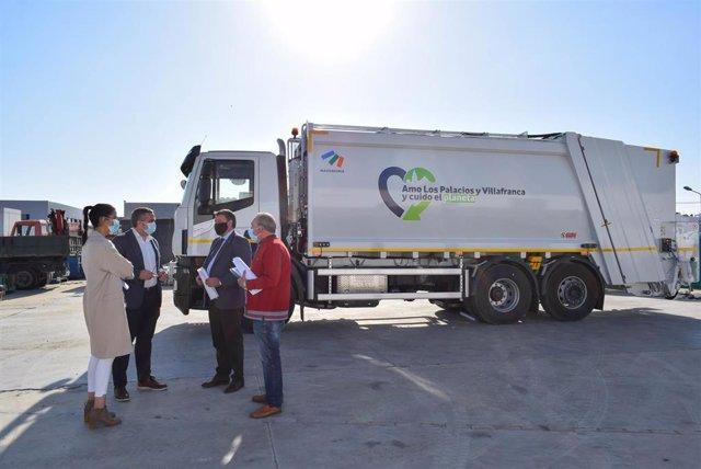El Ayuntamiento palaciego adquiere un nuevo camión para la recogida de residuos sólidos urbanos