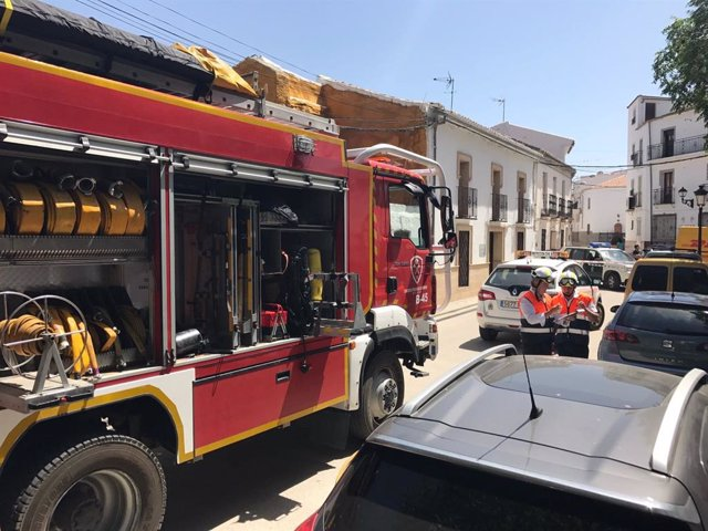 Archivo - Un camión del CPB de Málaga en una imagen de archivo