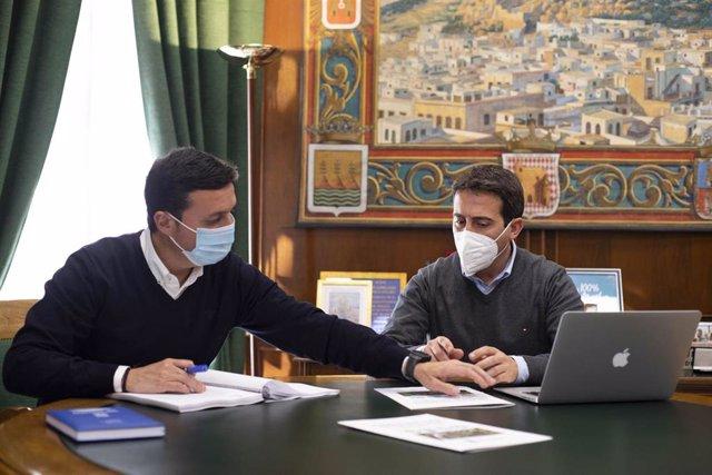 Archivo - Javier Aureliano García y Óscar Liria