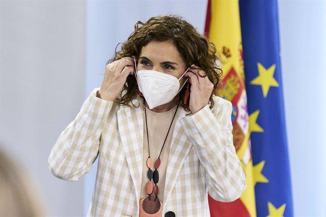 La ministra portavoz y de Hacienda, María Jesús Montero, a su salida de una rueda de prensa posterior al Consejo de Ministros en Moncloa.