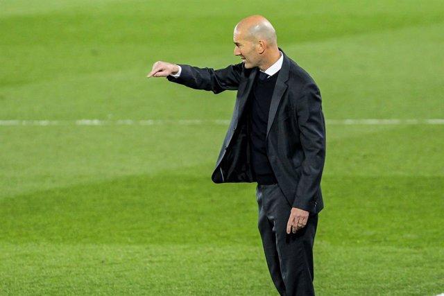 Zinedine Zidane, head coach of Real Madrid in action during La Liga football match between Real Madrid CF and CA Osasuna at Estadio Alfredo di Stefano on May 01, 2021 in Madrid, Spain.