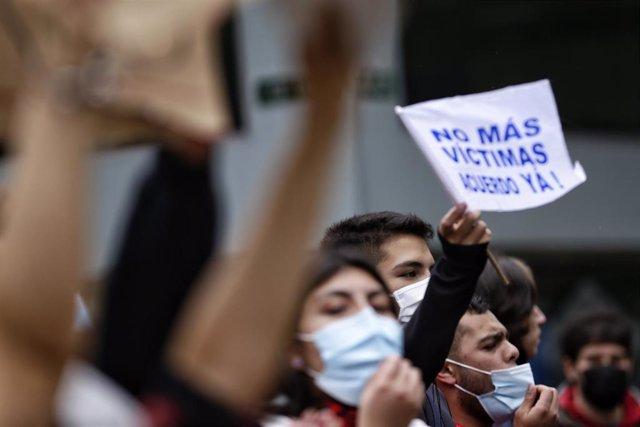 Protestas contra la violencia en las manifestaciones en Colombia