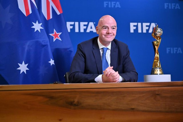 Archivo - A supplied image shows the FIFA president Gianni Infantino during the FIFA Women's World Cup Australia New Zealand 2023 Host Cities Announcement in Zurich, Switzerland, Wednesday, March 31, 2021. (AAP Image/Supplied by FIFA, Harold Cunningham) N