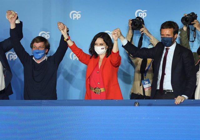 Isabel Díaz Ayuso junto a líderes del PP