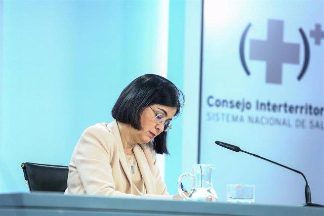 Archivo - La ministra de Sanidad, Carolina Darias, ofrece una rueda de prensa tras la reunión del Consejo Interterritorial del Sistema Nacional de Salud en el complejo de la Moncloa, Madrid, (España),