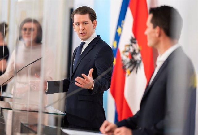 05 May 2021, Austria, Vienna: Austrian Chancellor Sebastian Kurz (C) speaks during a press conference following a cabinet meeting at the Federal Chancellery. Photo: Georg Hochmuth/APA/dpa