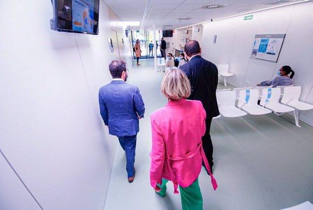El vicepresident del Govern en funcions, Pere Aragonès, i la consellera de Salut, Alba Vergés, al CUAP Maresme de Mataró.