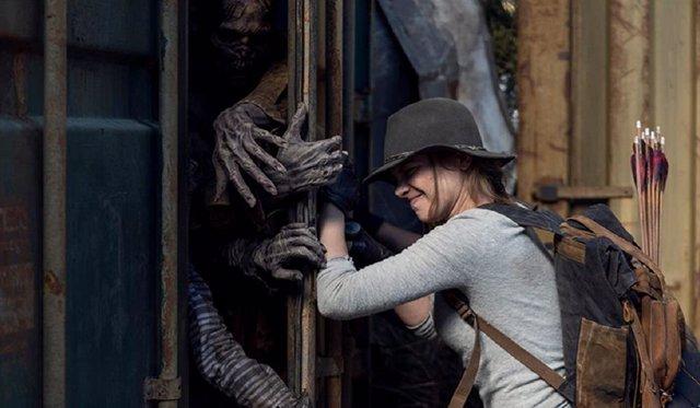 """La temporada 11 de The Walking Dead promete """"un montón de zombies"""""""
