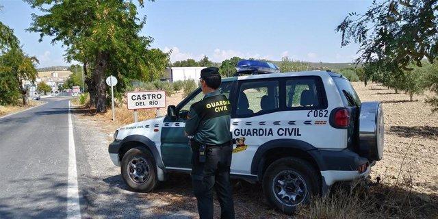 Archivo - Guardia Civil en Castro del Río, en una imagen de archivo.