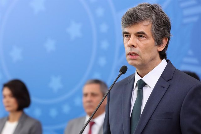 Archivo - FILED - 17 April 2020, Brazil, Brasilia: Brazilian new Health Minister Nelson Teich delivers a speech during the swearing-in ceremony at Planalto Palace. Teich resigned on Friday after less than one month on the job, his ministry told dpa, while