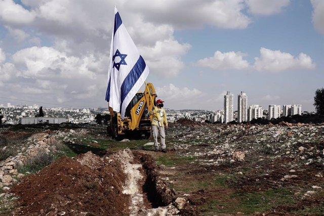 Un ciudadano israelí de ultraderecha en un asentamiento de Jerusalén Este.