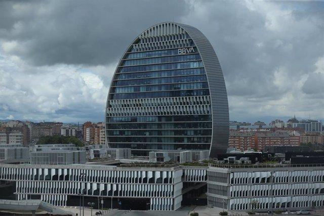 Edificio de la sede de BBVA en Madrid, conocido como 'La Vela', a 22 de abril de 2021, en Madrid.
