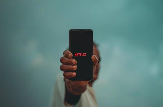 App de Netflix en un móvil.