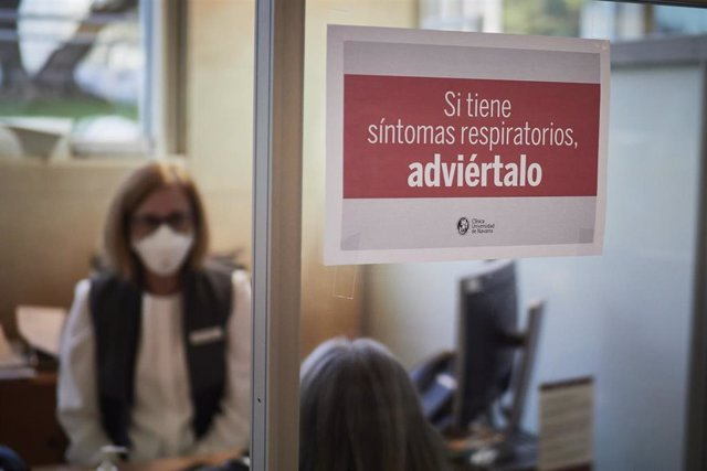 Archivo - Sala para los pacientes con un cartel indicativo en las instalaciones del Centro de Investigaciones Médicas Aplicadas (CIMA) de la Universidad de Navarra, en Pamplona, Navarra, (España), a 10 de noviembre de 2020. Actualmente, el 94 % de los alu