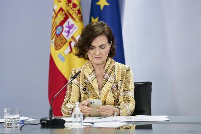 La vicepresidenta primera, Carmen Calvo, comparece en rueda de prensa posterior al Consejo de Ministros en Moncloa, a 4 de mayo de 2021, en Madrid (España)