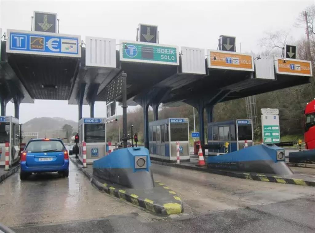Un camión podría pagar hasta 150 euros por cruzar España tras la aplicación de los nuevos peajes