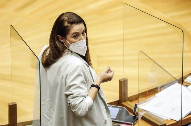 La consellera d'Agritultura a la Comunitat Valenciana, Mireia Mollà, durant una sessió de control al Govern de la Generalitat en els Talles Valencianes, a 22 d'abril de 2021, a València, Comunitat Valenciana (Espanya).