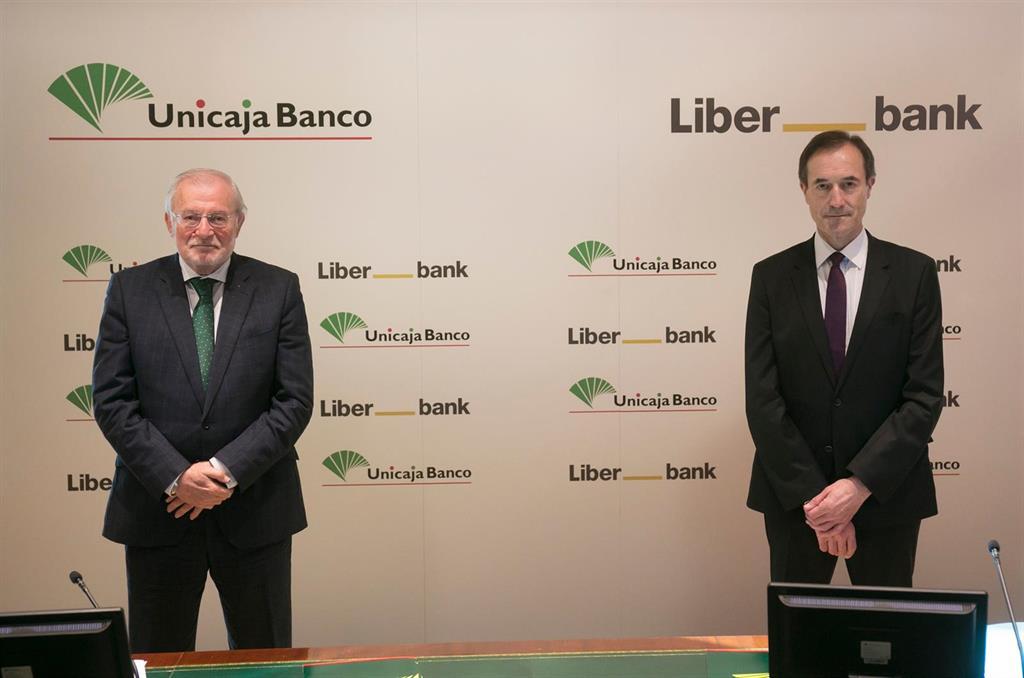 Unicaja Banco y Liberbank notifican su fusión a la CNMC