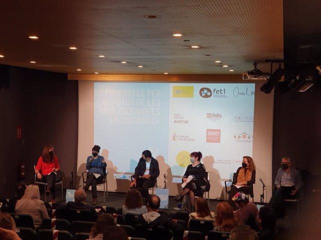 Presentación del documento '50 propuestas para el futuro de las Artes Escénicas valencianas'