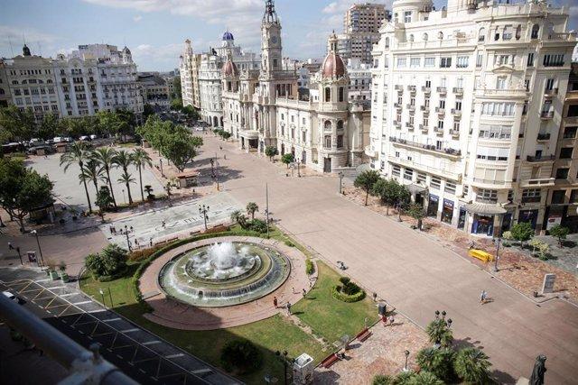 Archivo - Arxiu - Imatge de la Plaça de l'Ajuntament de València.
