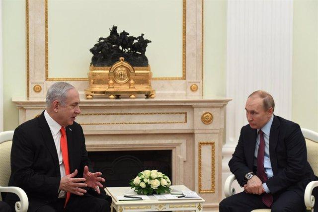 Archivo - El primer ministro de Israel, Benjamin Netanyahu, y el presidente de Rusia, Vladimir Putin.