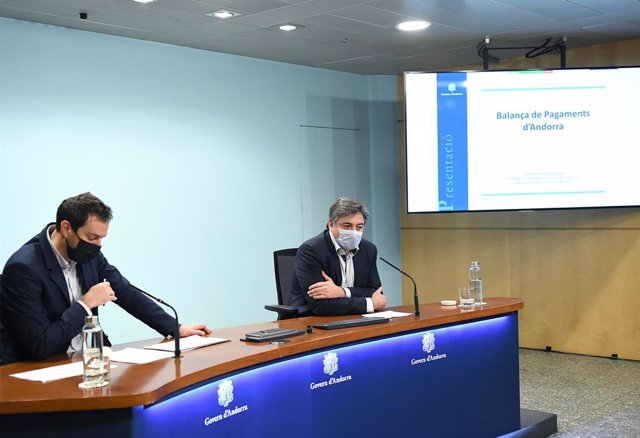 El secretari d'estat de Diversificació Econòmica i Innovació, Marc Galabert, i el director del Departament d'Estadística, Joan Soler.