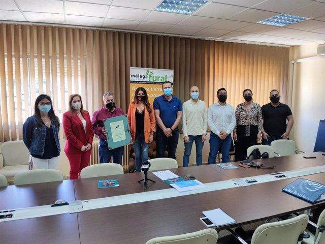 La delegada territorial de Turismo de la Junta en Málaga, Nuria Rodríguez, visita Archidona para dar a conocer a los alcaldes de la comarca Nororiental de Málaga las ayudas