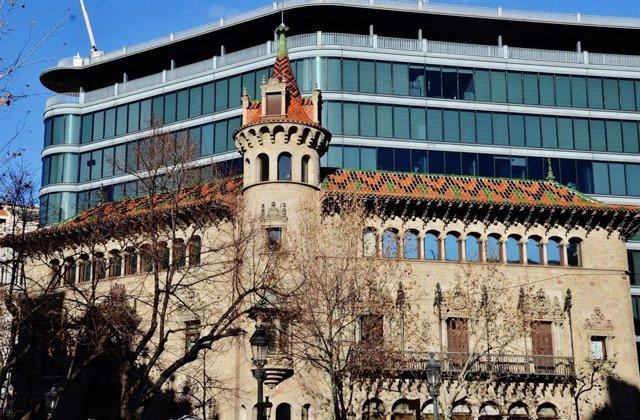 Archivo - Arxiu - Seu i façana de la Diputació de Barcelona.
