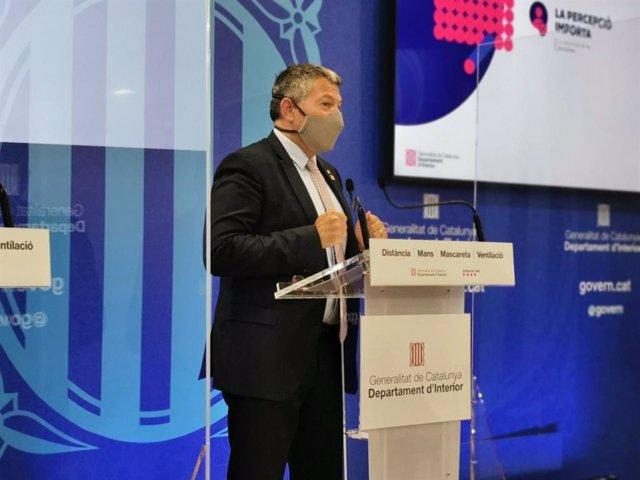 El conseller d'Interior de la Generalitat, Miquel Sàmper, durant la seva intervenció