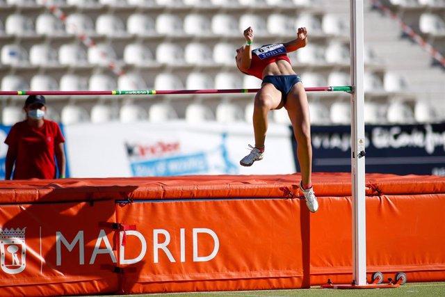 Archivo - Imagen de una competición en el Estadio Vallehermoso de Madrid
