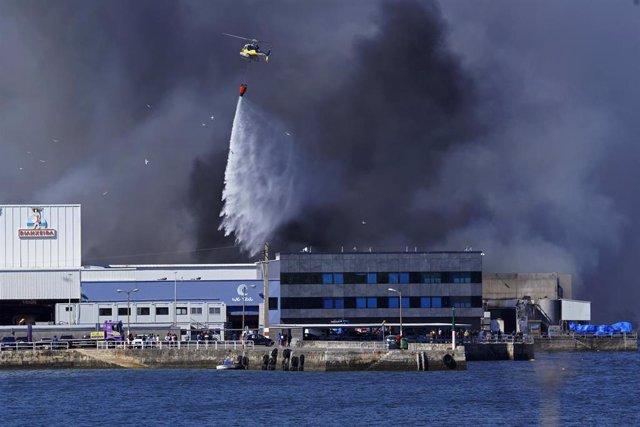 Incendio registrado en la tarde de este sábado en las instalaciones de Jealsa en Boiro (A Coruña)