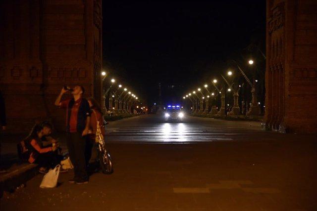L'Arc de Triomf de la ciutat de Barcelona, durant les últimes hores amb l'estat d'alarma en vigor, a 8 de maig de 2021, a Barcelona, Catalunya (Espanya)