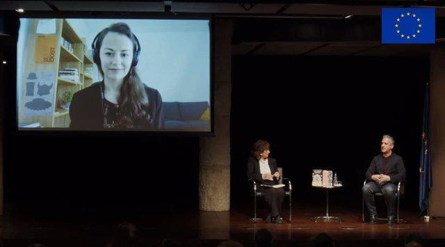 Els escriptors Lana Bastasic i José Luís Peixoto participen en un debat sobre la cultura en el futur europeu a La Pedrera de Barcelona, moderat per la periodista i traductora Pilar del Río, en el Dia d'Europa.