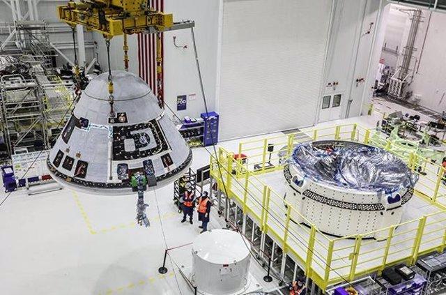 Nave Starliner en el Centro Kennedy de la NASA