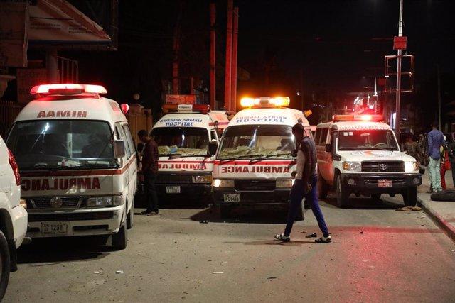 Varias ambulancias en Mogadiscio, Somalia
